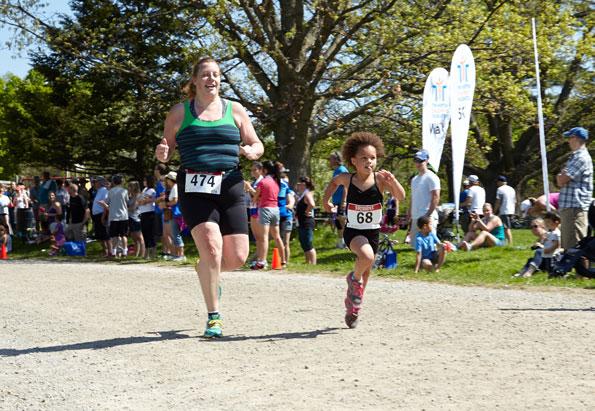 Event photographer THCF Run & Walk runners Bronte Creek Park Oakville May 2014