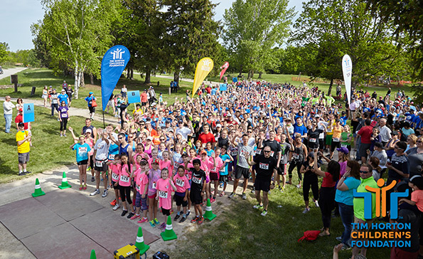 Race Photography of Starting line at THCF Run/Walk May 2015